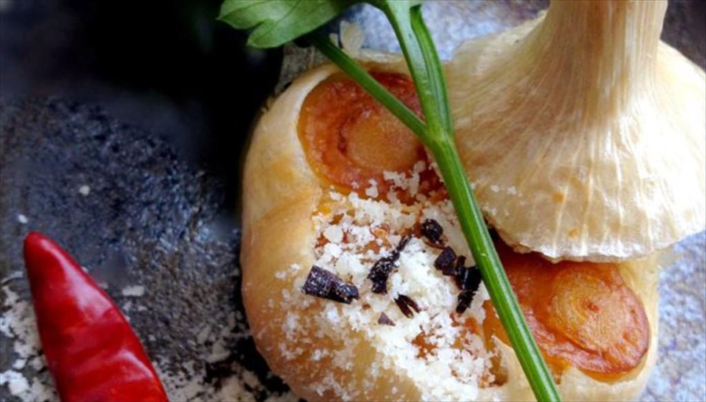 丸ごと揚げにんにく 塩昆布チーズ