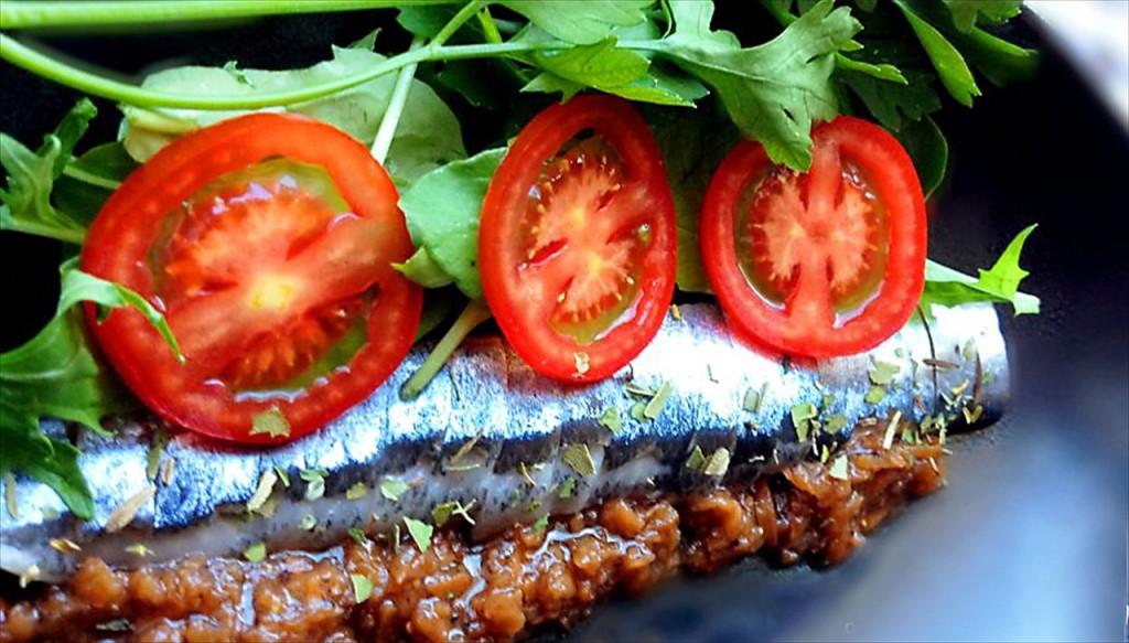 秋刀魚のカルパッチョ梅肉仕立て